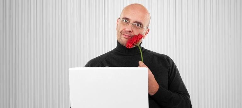 10 Top Online Dating Profile Examples & Why They're Successfull